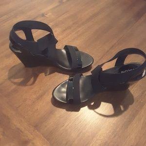 Nicole Wedge Sandal 7M Black